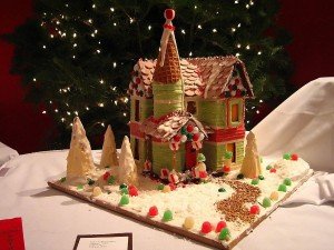 Gingerbread_house_with_path